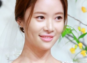 Hwang-Jun-Eum-wedding-star-daily-news-21