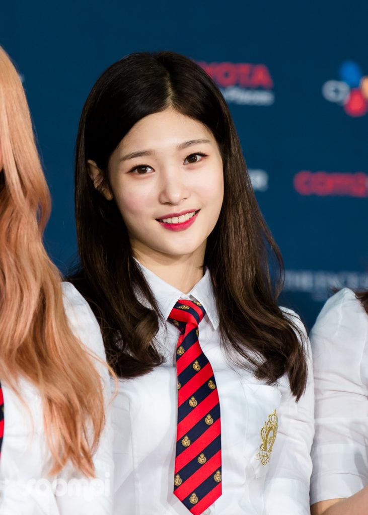Soompi_KCONLA16_IOI_10